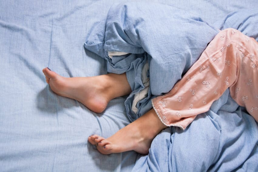 How to sleep with restless legs at night